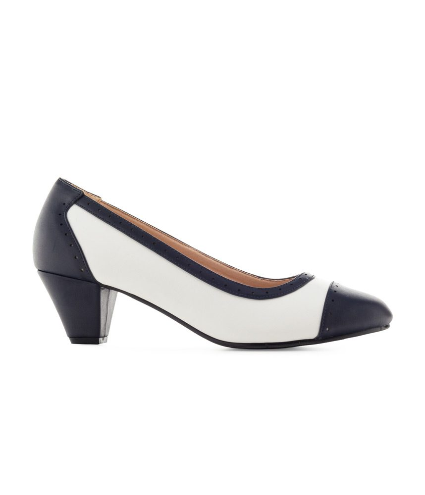 Elegant Wide Fit White/Navy Court Shoe